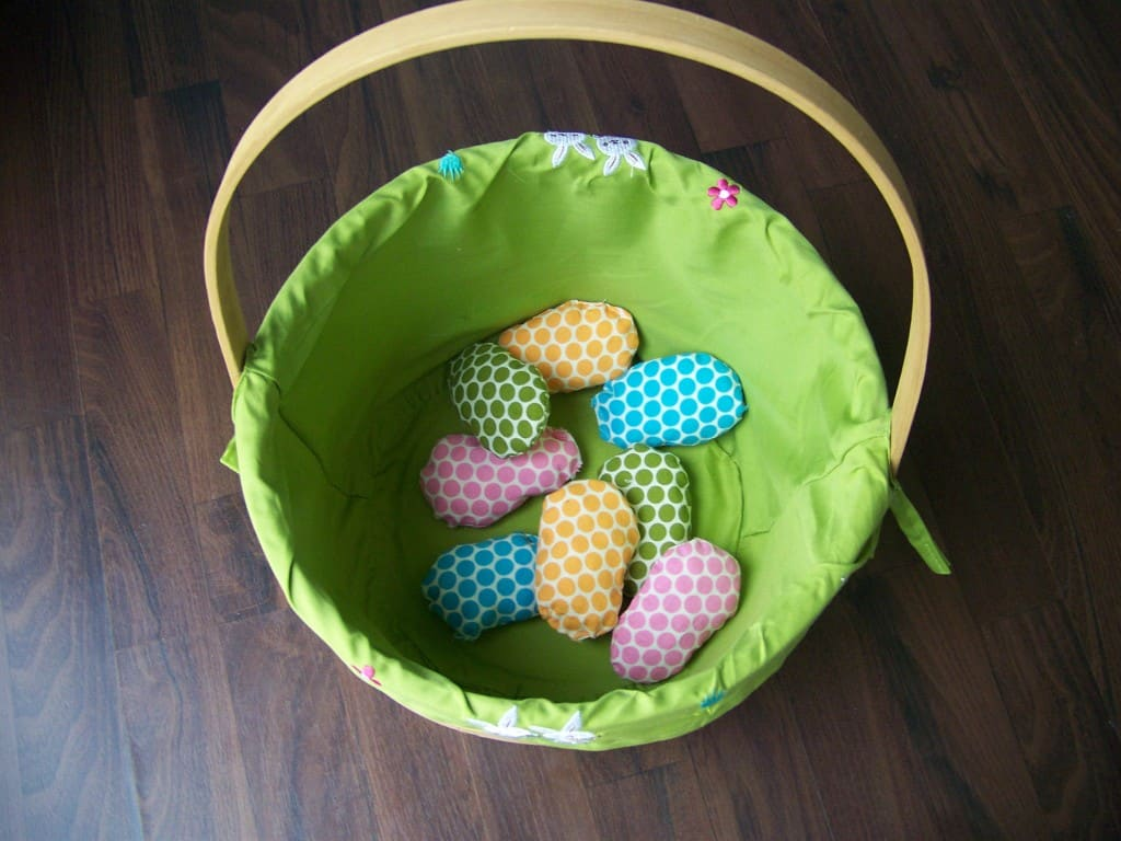 diy fabric easter egg toss game