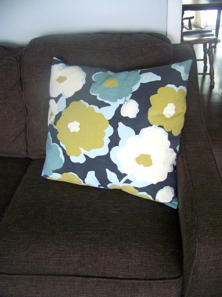 easy pillow cover tutorial 8