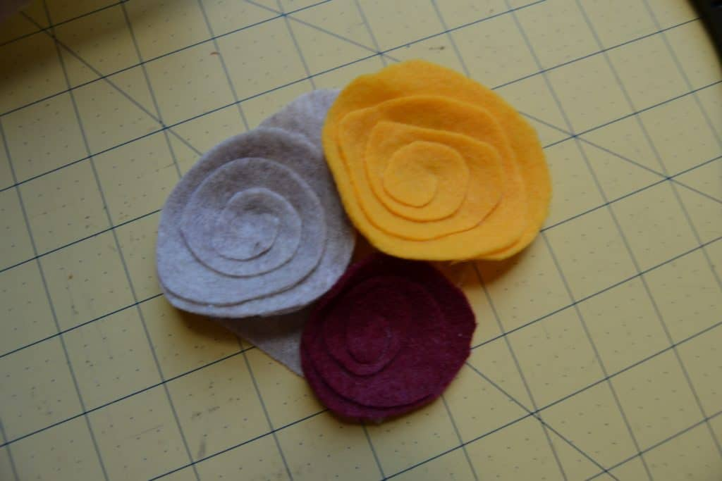 diy spiral felt flower headband 2