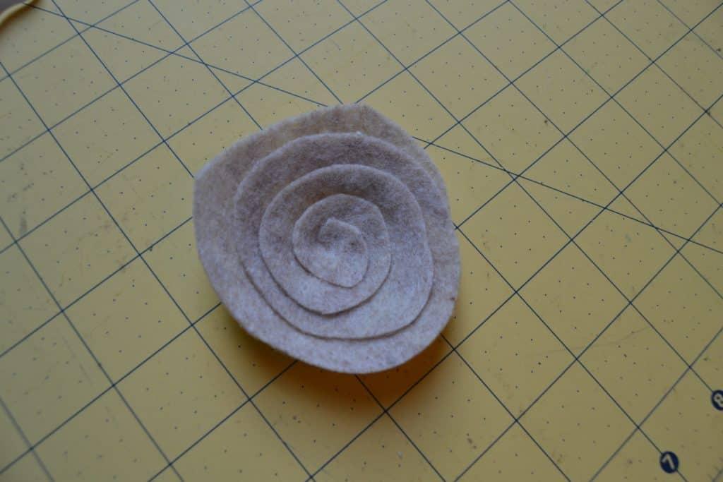 diy spiral felt flower headband 4