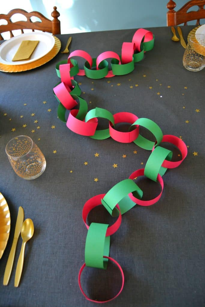 advent-coloring-book-paper-chain