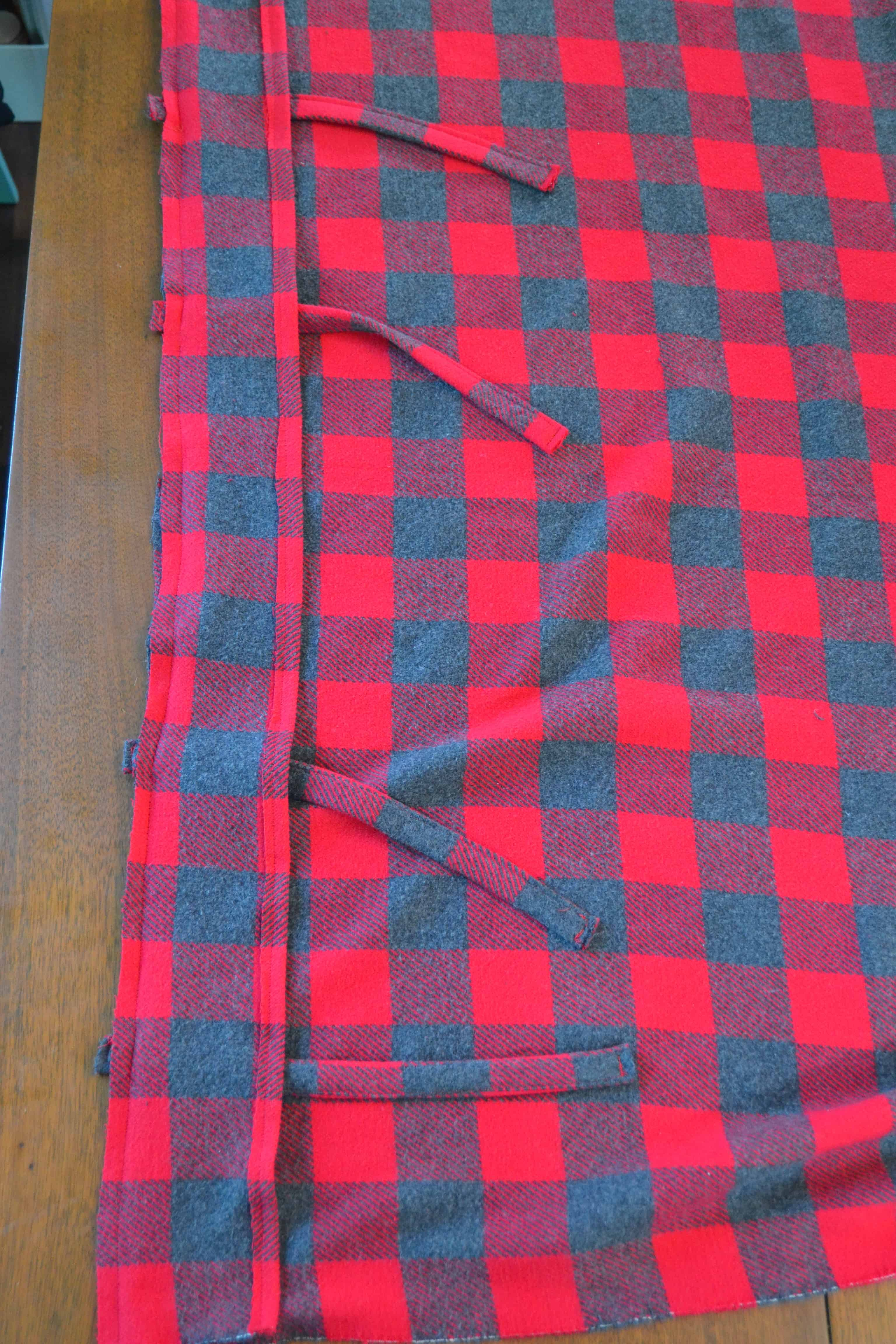 bed-pillow-case-with-ties-7