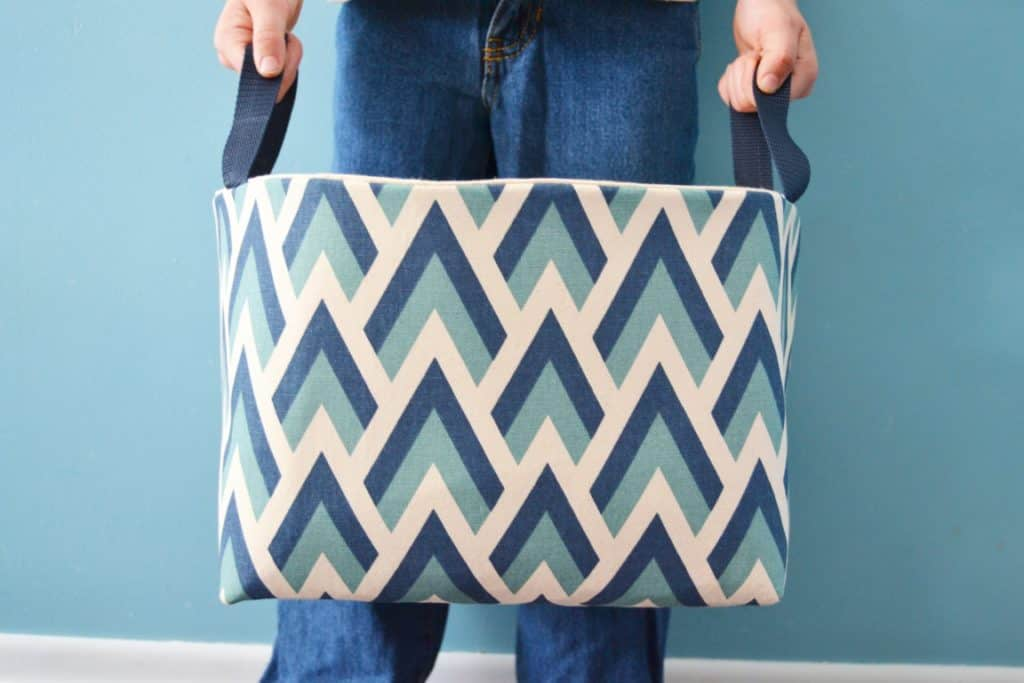 diy fabric basket tutorial- how to make a fabric basket