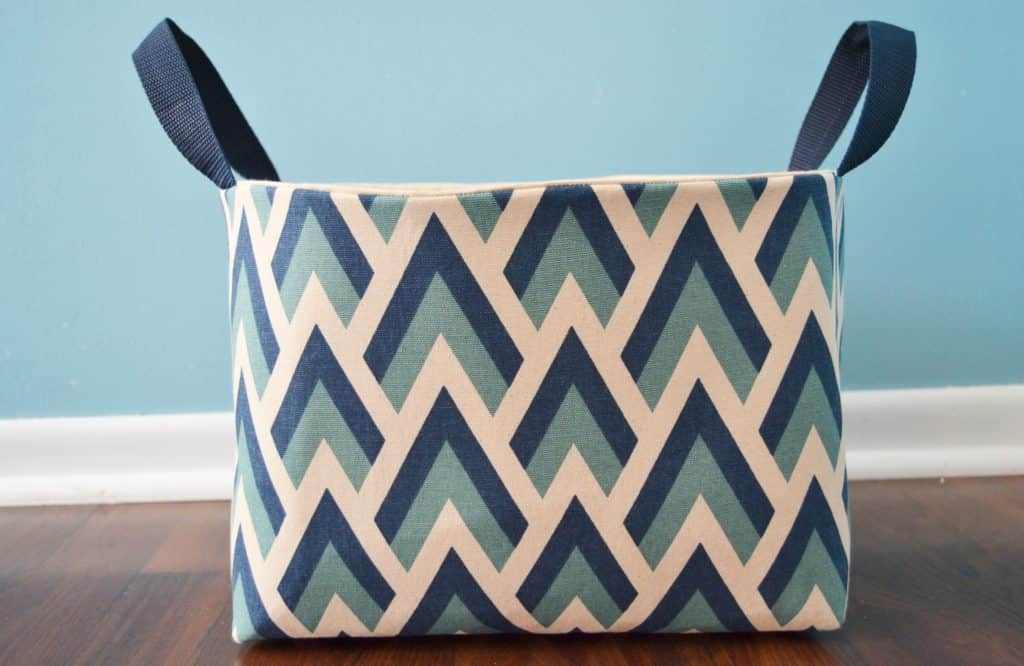 diy fabric basket tutorial- how to make a fabric basket