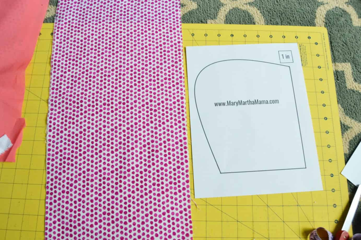 Burp cloth tutorial pattern half contour mary martha mama step 2 take your fabric that youre using for the front of the burp cloth and fold it in half lay your pattern piece on top of the folded fabric with the baditri Image collections