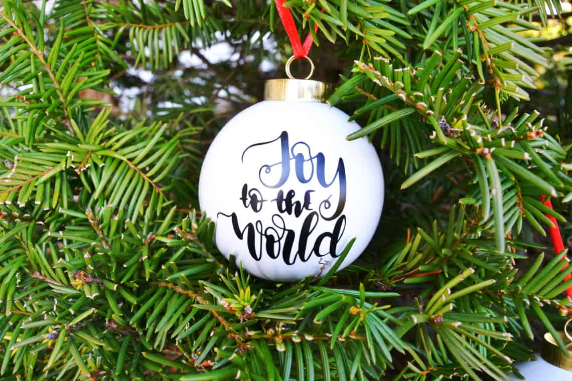 Making Christmas Ornaments with Cricut- Joy to the World Christmas Ornament