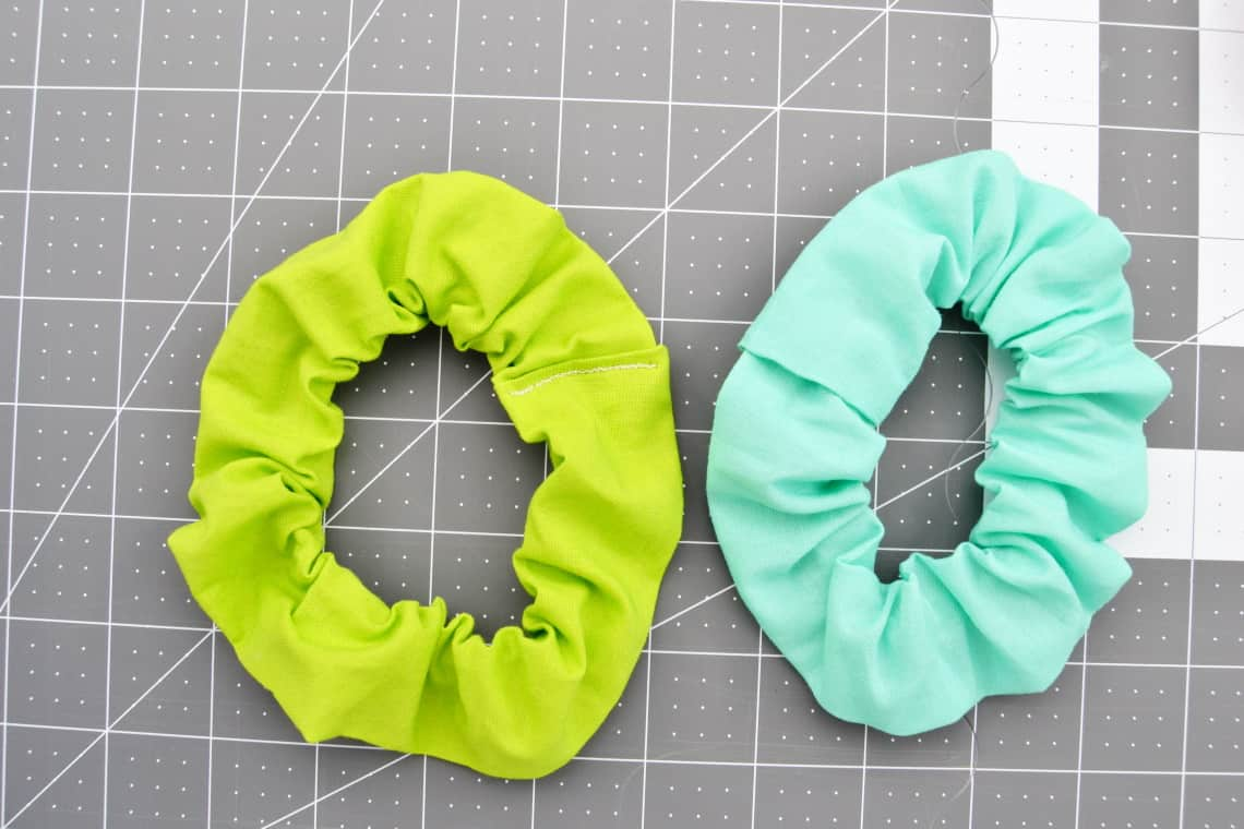 how to sew a scrunchie- the different ways of sewing it shut