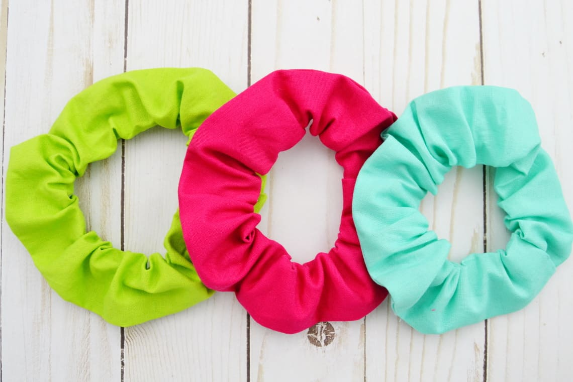 How to Sew a Scrunchie Tutorial- finished scrunchies