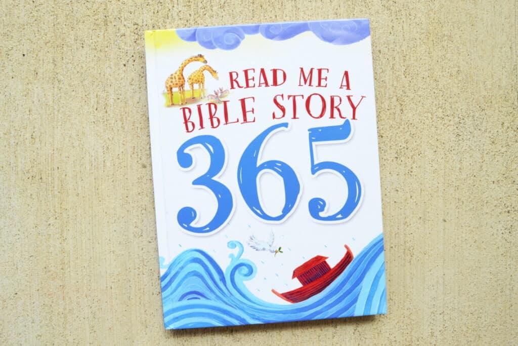 Bibles for Preschoolers: Read Me a Bible Story 365