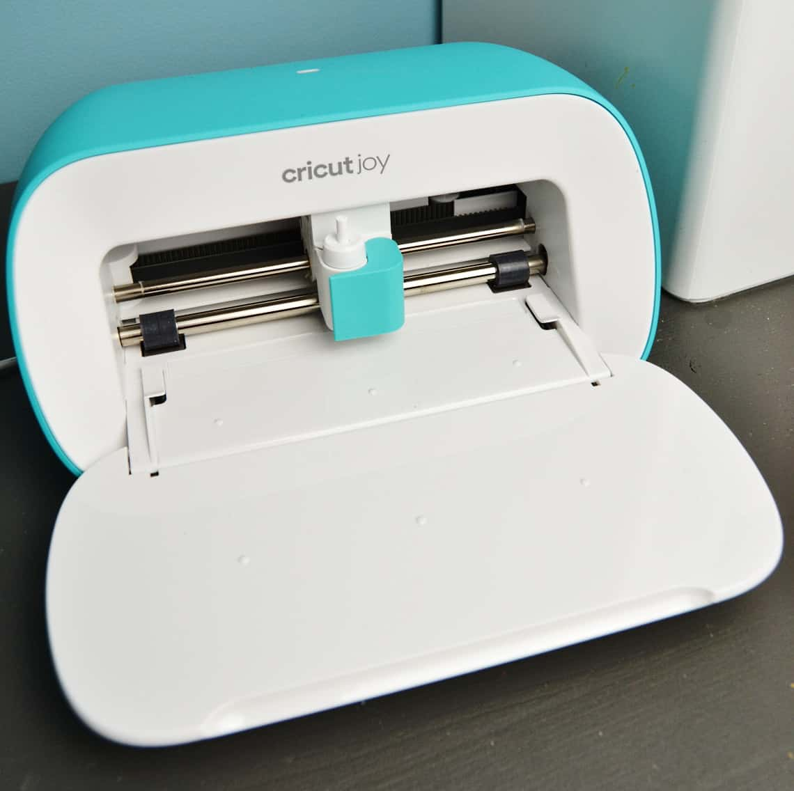 the Cricut Joy close up