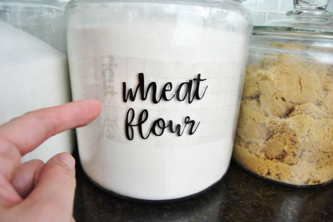 transfering vinyl to the wheat jar