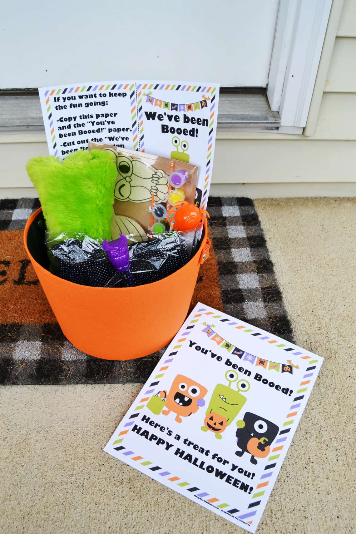 If you're looking for a free You've Been Booed Printable then check out these 5 free designs.  Each comes with a We've Been Booed sign and instructions.