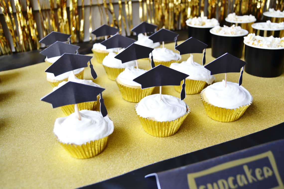DIY Graduation Party Decorations- cupcake toppers