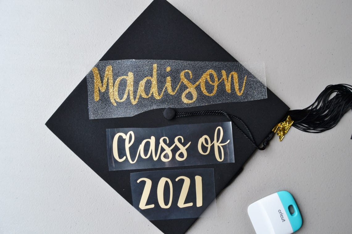 how to decorate a cap for graduation applying the iron on vinyl