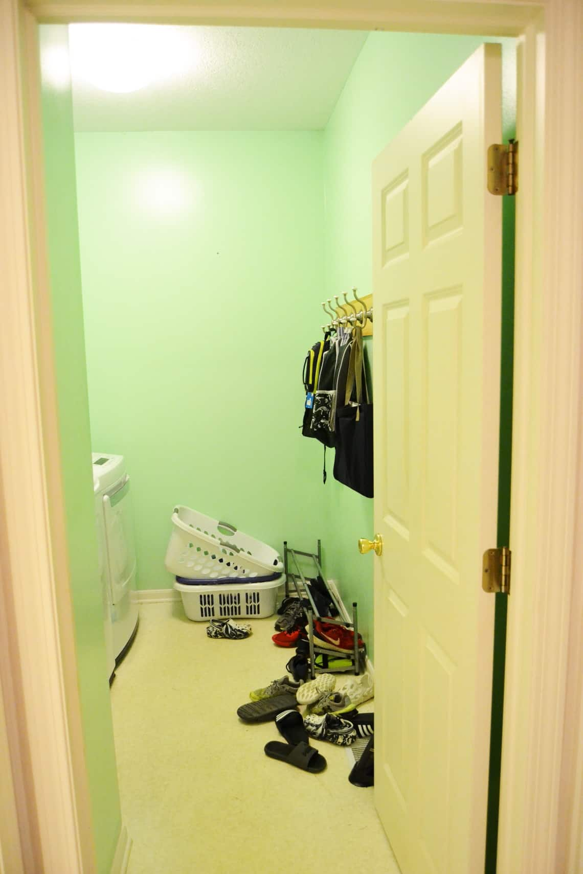 modern mudroom makeover- before photos